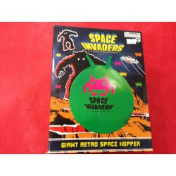 SPACE INVADERS GIANT RETRO...